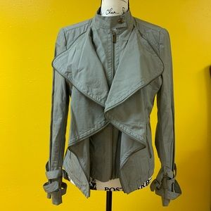 BEBE ruffled jacket in gray with zipper details